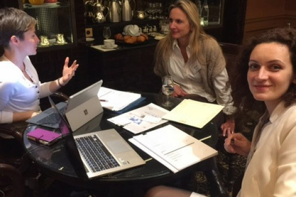 Naomi and Alina talking about LinkedIn